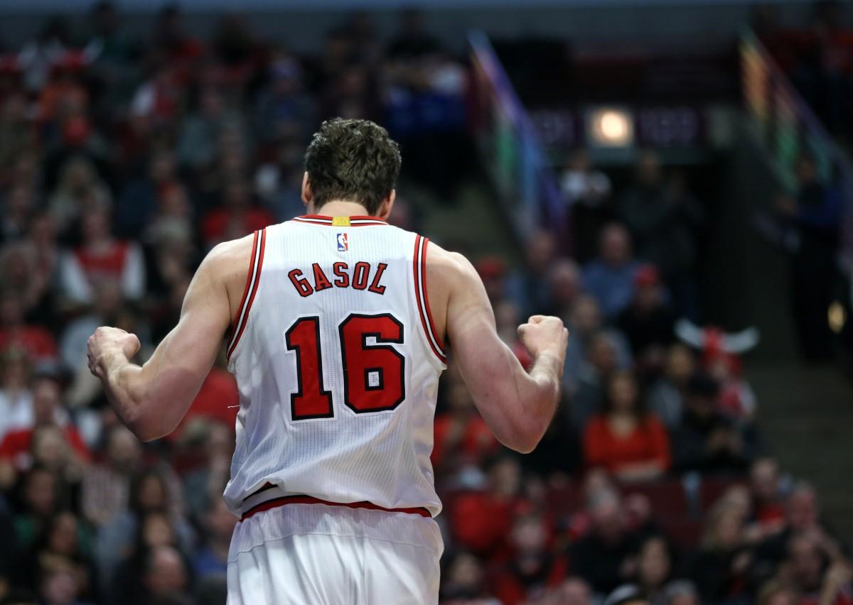 Bulls' Pau Gasol Will Continue to Play Through Injuries ...