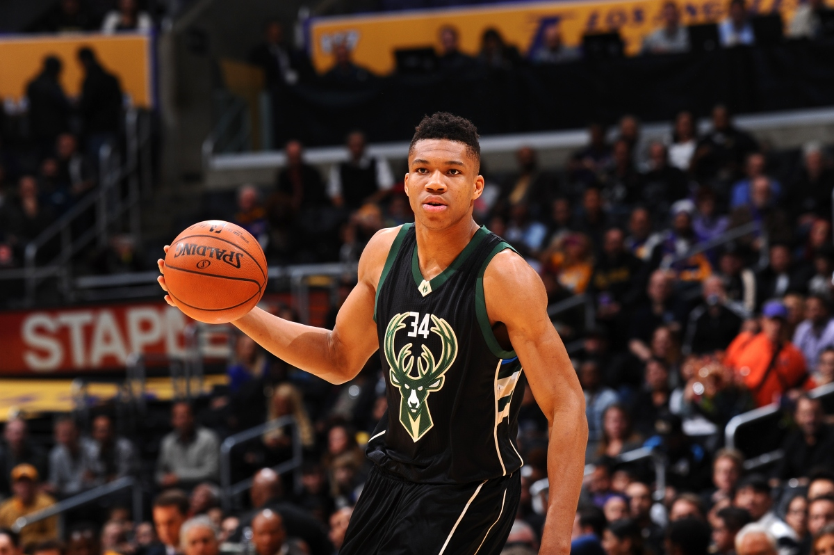 Watch Giannis Antetokounmpo Dunks Home Two Handed Reverse Windmil The Game Day Report